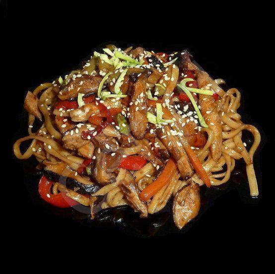 Лапша удон с овощами и курицей в соусе терияки рецепт пошагово